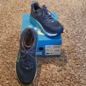 Shoes - Hoka Arahi 2 Running Shoes